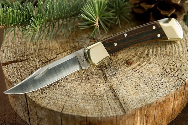 How to Buy a Hunting Knife