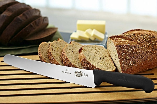 Styles of Bread Knives