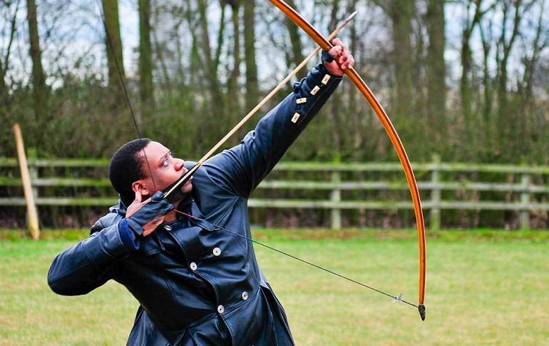 The Difference Between Longbow and Recurve Bow